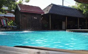 swimming-pool-aalwyns